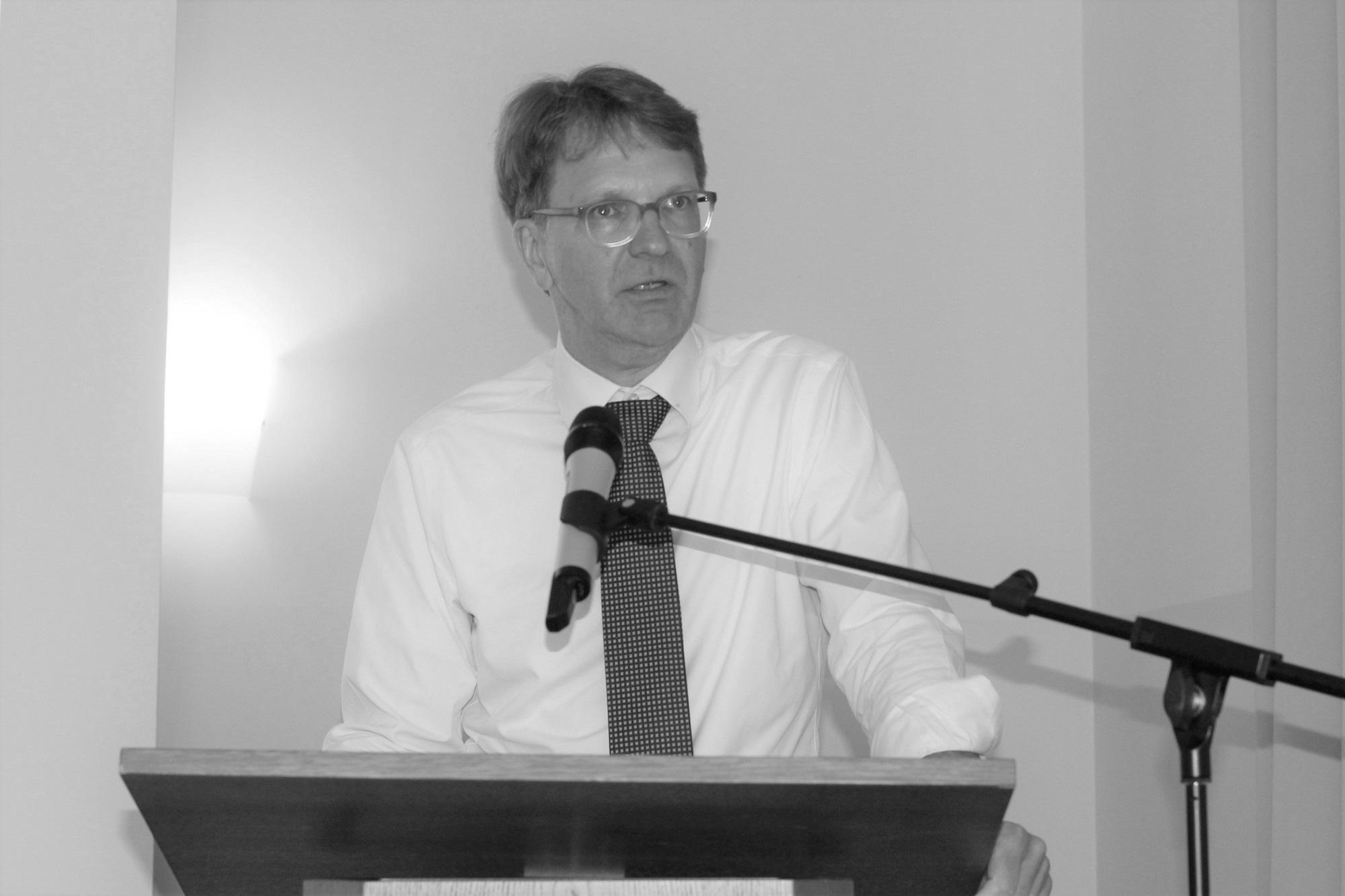 Dr. Frank Schindler